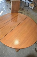 """Wood Table 44"""" wide with (6) Leaf's"""