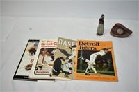 Sports Books, Magazines & Figurines