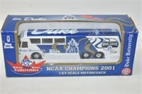 White Rose Collectibles 1/64 Scale Bus