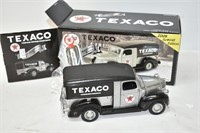 ERTL Texaco 1947 Dodge Canopy Express