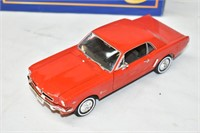 """1964 Ford Mustang 7.5"""" scale 1/24"""