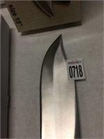 15 IN KNIFE (IN SHOWCASE)