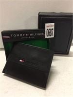TOMMY HILFIGER WALLET (IN SHOWCASE)