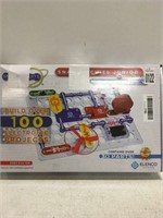 SNAP CIRCUITS JR BUILD OVER 100 ELECTRONIC
