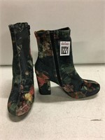 HEELED WOMENS SHOES SIZE 6 TOYS