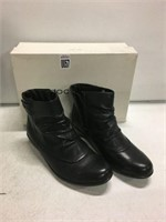 ROCKPORT WOMENS BOOTS SIZE 6M