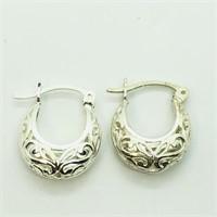 Sterling Silver  Earrings (~weight 2.5g) (122 -