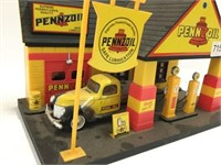 Pennzoil plastic service station toy