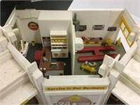 Shell service station toy