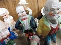 2 trays of figurines