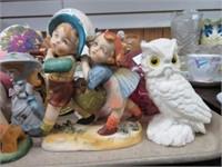 2 trays of figurines, toby mugs, etc.