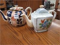 4 teapots