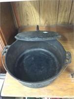 Cast Dutch oven