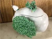 Nankin Oriental vase & soup train