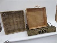 3 wicker trays