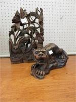 2 wooden ornaments