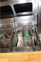 Pitco Frialator 2 basket deep frier