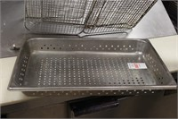Full sized shallow strainer pan with