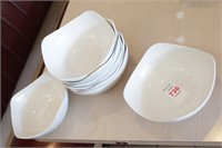 """8 pc Glass 8.5"""" bowls, some chipped"""