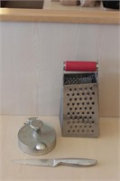 3 pc Burger Patty Press, Cheese Grater, Knife