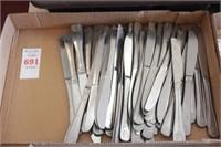 54 pc Flatware Knives