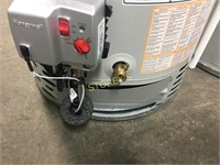 Bradford White 50 Gal Gas Hot Water Heater - dinge