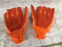 NEW INSULATED ORANGE GLOVES