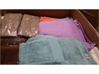 Lot of Assorted Towels