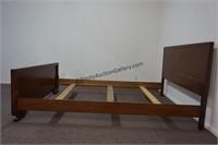 Kroehler Mid Century Walnut Full Size Bed