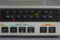 GE Spacemaker Kitchen Companion AM/FM Radio