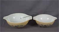 2 Pyrex Homestead Pattern Mixing Bowls