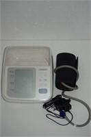OMRON BLOOD PRESSURE MONITOR BP765CAN