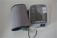 BATTERY POWERED OMRON BLOOD PRESSURE