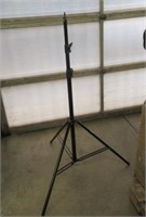 """""""As Is"""" Neewer Tripod Stand"""