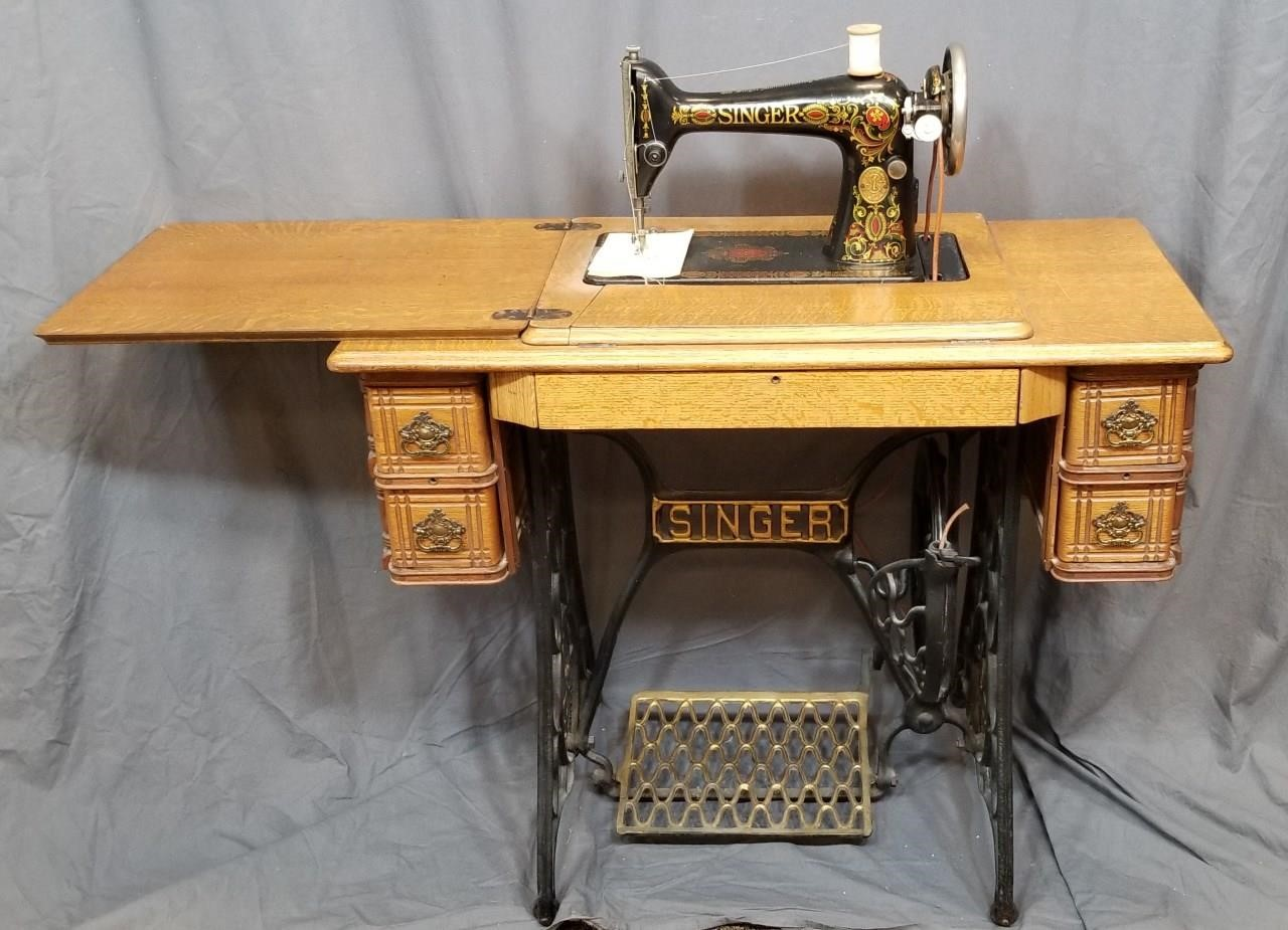 1929 Singer Treadle Sewing Machine #G0820364 | Epic Auctions