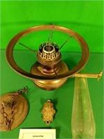 Uncle Tom's Cabin kerosene lamp