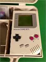 Nintendo Gameboy box with Gameboy, carrying soft
