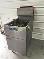 Pitco 65lb Gas Deep Fryer