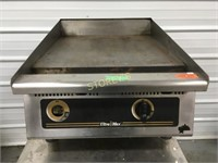 """UltraMax Thermostatic 24"""" Gas Flat Griddle"""