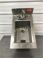 S/S Hand Sink - 14 x 22