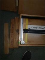 Handheld matt cutter