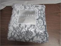 "Guillaume Home 56"" x 70"" Medallion Print Throw"
