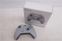Xbox Wireless Controller - Grey/Green - Xbox One