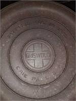Griswold No. 9 Tite-Top Cast Iron Dutch oven