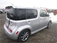 2010 Nissan Cube R/T  Hatchback