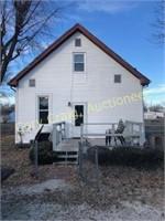 Real Estate - 902 Hackett Ave. Jacksonville, IL