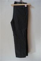 HILARY RADLEY SLIM LEG, 24IN INSEAM SIZE 6 CAPRI