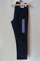 NYGARD SIZE 4 CROPPED JEANS