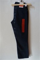NYGARD SIZE 8 CROPPED JEANS