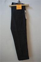 HILARY RADLEY CAPRI SIZE 4 WOMENS DRESS PANTS